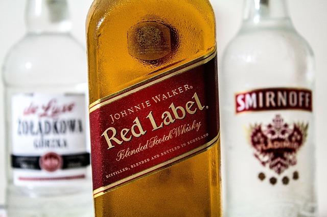 飲酒検問中に車にアルコールが置いている場合