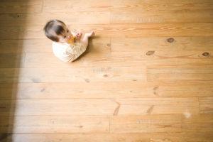 赤ちゃんがフローリングでハイハイをする為に行うべき3つの掃除方法