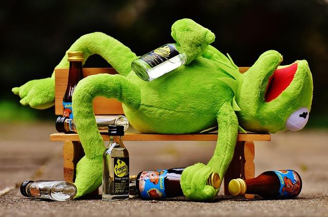 飲酒後どうやってアルコール濃度は下がるのか