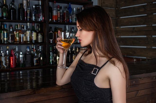お酒を飲んで吐く事を習慣にすると