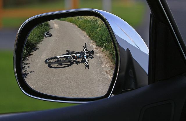 飲酒後自転車を運転中の事故は保険を適用できるの?