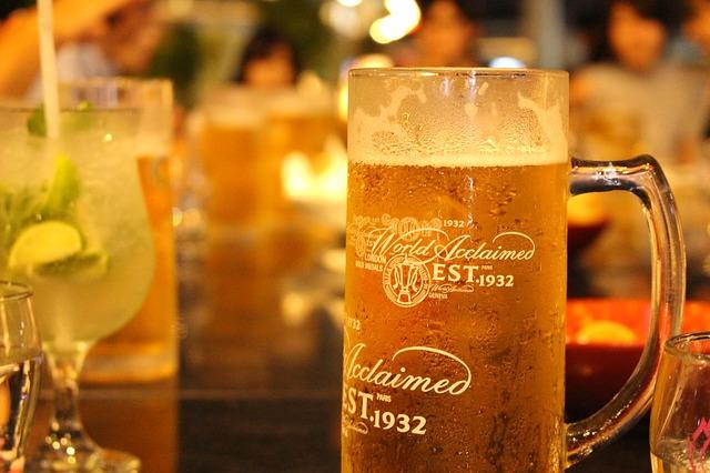 アルコールの飲みすぎは頭痛に影響がある?