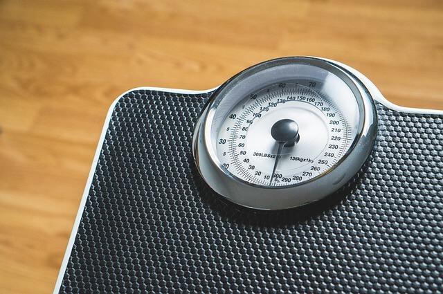 お酒によるむくみ体重増加は予防と防止ができる3つの対策!