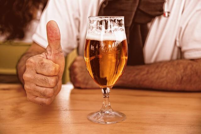 お酒を飲む前に飲んでおくべき3つの薬と5つの注意点